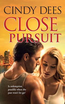 Close Pursuit (Mills & Boon M&B)