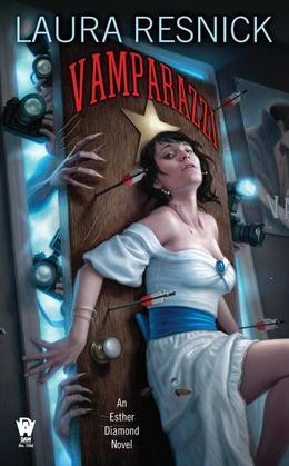 Vamparazzi: Book Four of Esther Diamond