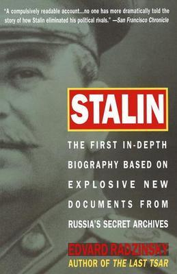 Stalin: The First In-depth Biography Based on Explosive New Documents from Russia's Secr et Archives