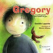 Gregory le petit garçon tout habillé de gris