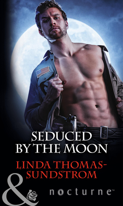 Seduced by the Moon (Mills & Boon Nocturne)